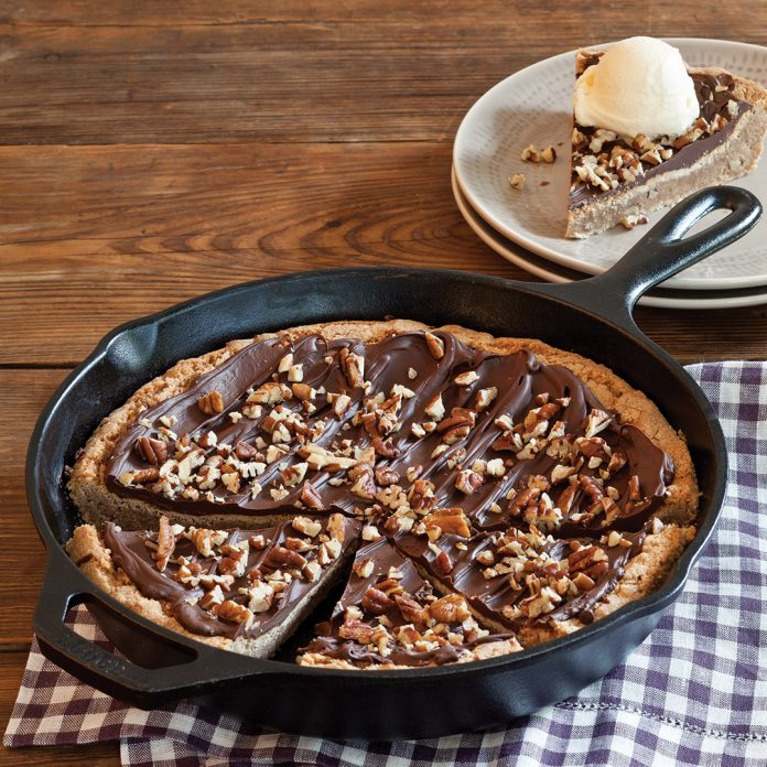 Chocolate-Pecan Snickerdoodle Skillet Cookie